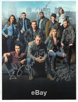 CHICAGO PD HAND SIGNED 8x11 COLOR CAST PHOTO+COA SIGNED BY 7 SOPHIA BUSH