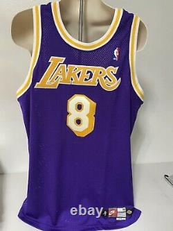 Kobe Bryant Authentic jersey TEAM ISSUED Lakers SIGNED Autographed HAND Painted