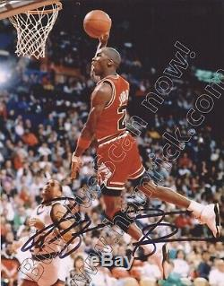MICHAEL JORDAN. CHICAGO BULLS. Hand signed 8x10. Colour photo C. W COA