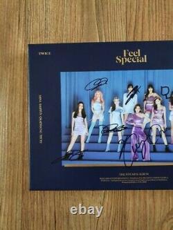 Album Promotionnel Spécial Signé À La Main