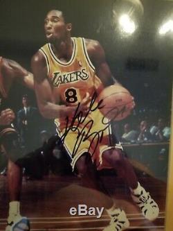 Authentique Kobe Bryant Autographié Signée À La Main Photo 8x10 Avec Hologram Coa Encadrée