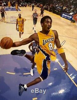 Bryant Autographed Kobe Hand Signed Los Angeles Lakers 16x20 Dunk Photo Withcoa