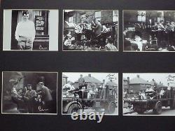 John Lennon Et Sa Main Signé La Main De La Main D'abord Des Photographies