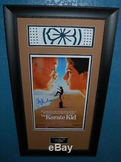 Karaté Kid Main Signée Ralph Macchio D'affiche D'autographes Et Serre-tête Encadrée (swartz)