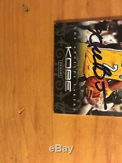 Kobe Bryant 2012 Main Panini Signé Carte Autographe Avec Coa-authentique