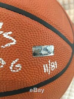 Kobe Bryant Hand Print Autographié Basketball 81pts 11/81 Limited Edition