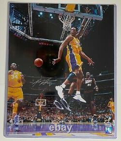 Kobe Bryant Main Signée Autographié 16x20 Photo L. A. Lakers Avec Shaq Psa/ Adn