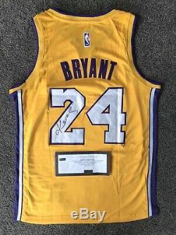 Kobe Bryant Signée À La Main Autograph La Lakers # 24 Jersey Panini Coa Rare