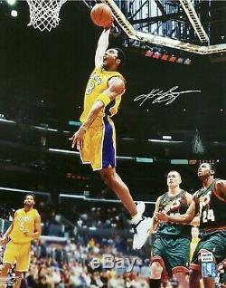 Kobe Bryant Signée À La Main Autographié 16x20 # 8 Vintage One Hand Big Dunk Psa / Adn