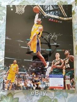 Kobe Bryant Signée À La Main Autographié 16x20 # 8 Vintage One Hand Dunk Psa / Adn
