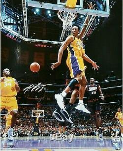 Kobe Bryant Signée À La Main Autographiés 16x20 Photo Vintage La Lakers W Shaq Psa / Adn