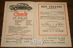 Laurel Et Hardy Signée À La Main Autographié Programme Northampton Theater Uacc