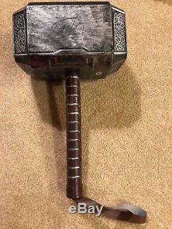 Marteau De Réplique De Thor Mjolnir Autographié Et Signé Par Stan Lee Avec Psa Coa