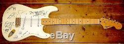 Metallica Entièrement Signé À La Main Fender Squier Strat Guitar Uacc Revendeur Inscrit