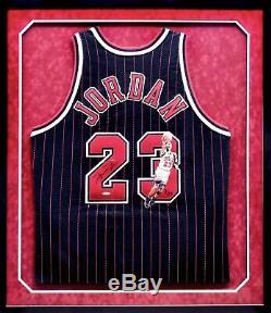 Michael Jordan Autographié Signé Peint À La Main Bulls Jersey Upper Deck Coa 9/23