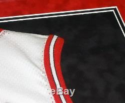 Michael Jordan Chicago Bulls Signée À La Main Autographié Encadré Par Coutume Jersey! Preuve
