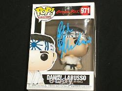 Ralph Macchio Signé Cobra Kai Funko Pop Figure Daniel Larusso Autograph Dans La Main