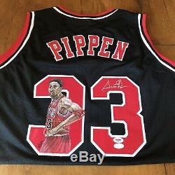 Scottie Pippen Signé Autographié Peint À La Main Bulls Jersey Jsa Et Psa Coa