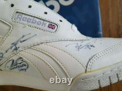 Shinee 2009 Reebok Event Prize Chaussure Autographiée Main Signée Jonghyun