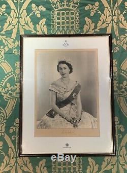 Signé Vintage Main Photo Queen Elizabeth II 1953 Autograph Photo Gurkha