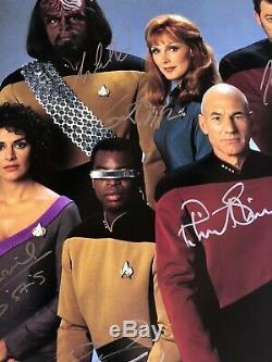 Star Trek Tng 12x12 The Next Generation Cast Autographié Originale Main Photo