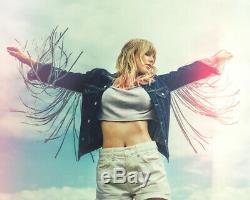 Taylor Swift Autographed Folklore CD Album Signée Scellés En Main Tout Neuf