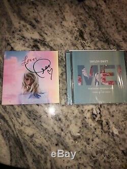 Taylor Swift Autographié Signée À La Main Livret + Amant Me! CD Single En Main