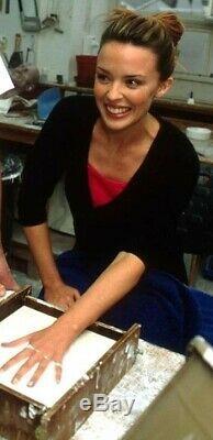 Très Rare Minogue Kylie Bronze Lifecast Hand Print + Autograph, 1 Produit Seulement